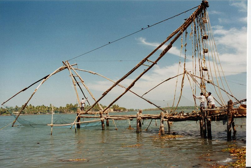 800px-chinese_fishing_net_kochi_india